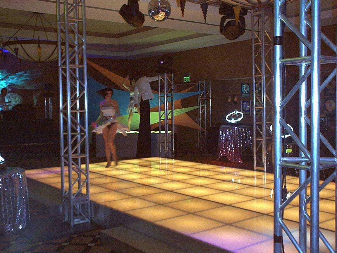 Disco truss and floor
