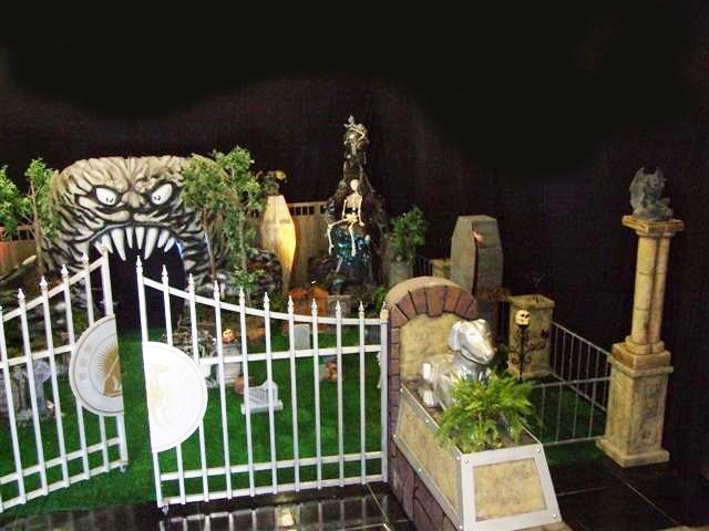 Halloween Entrance showing Sentrys