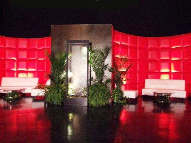 Red & White Lounge 2